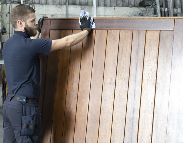 Oxley Doors Gates Wooden Cleaning