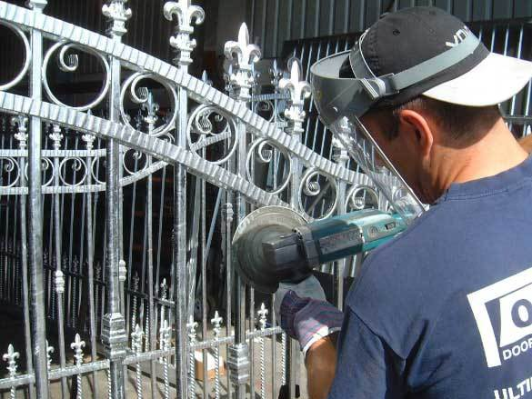 Oxley Gates Metal Process Sanding