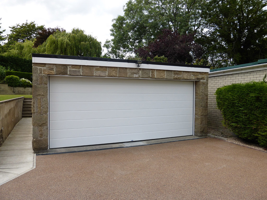 GDS Insulated Sectional Garage Door in Medium Rib White Smooth Texture