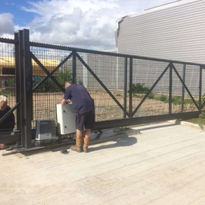 Oxley Automatic Sliding Cantilever Gate