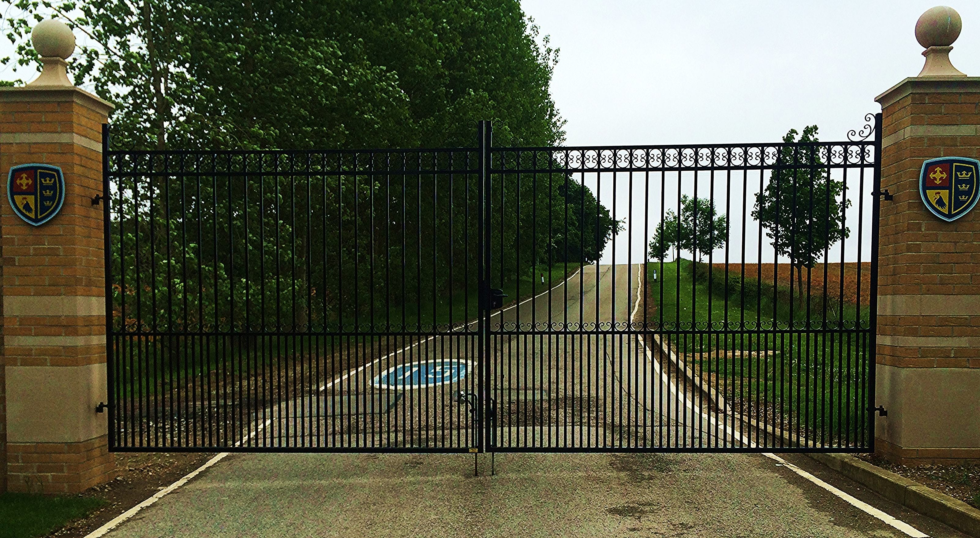 Architect Designed Metal Gates for Hull Collegiate School