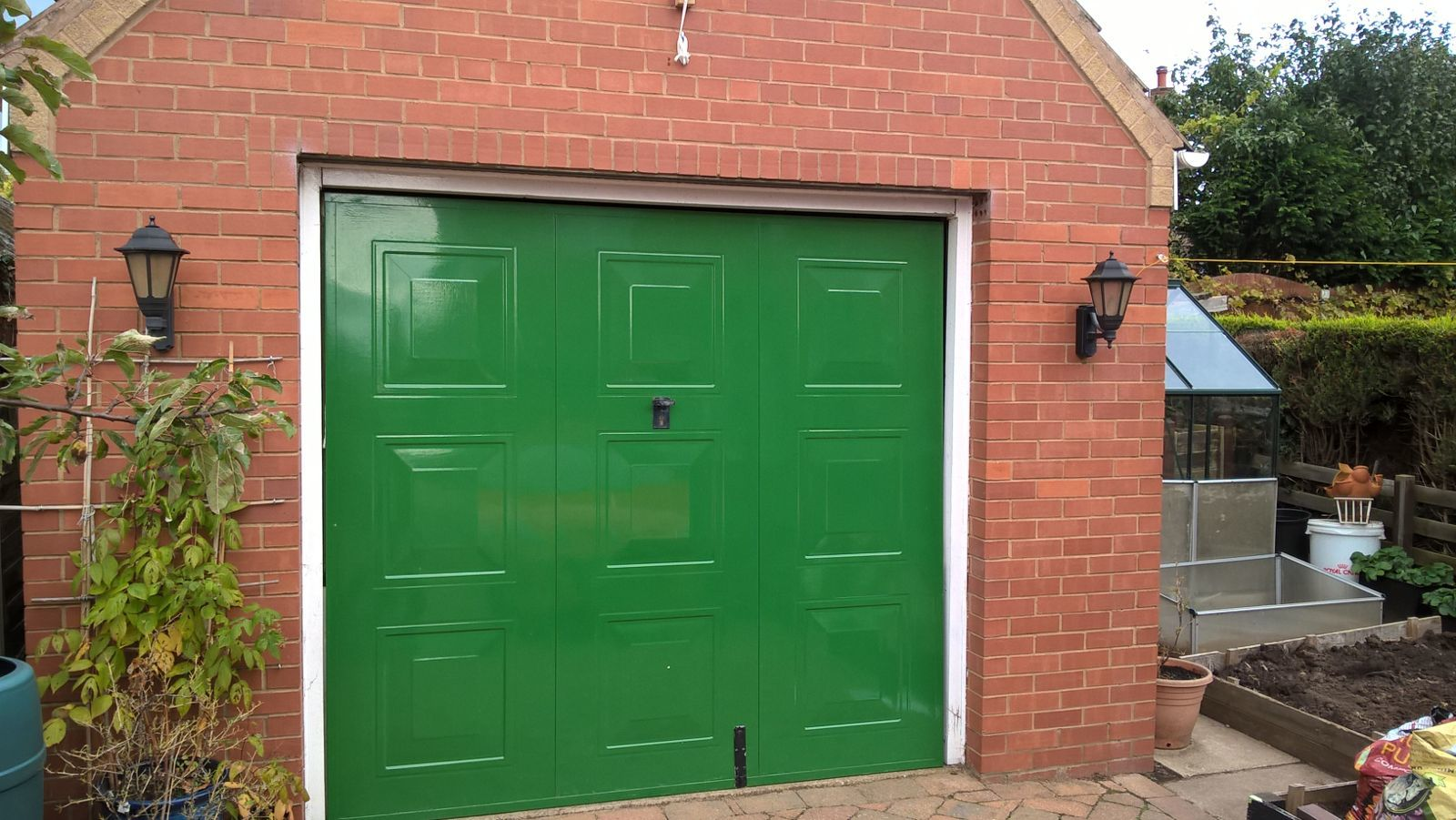 Side Hinged Garage Door, Hull
