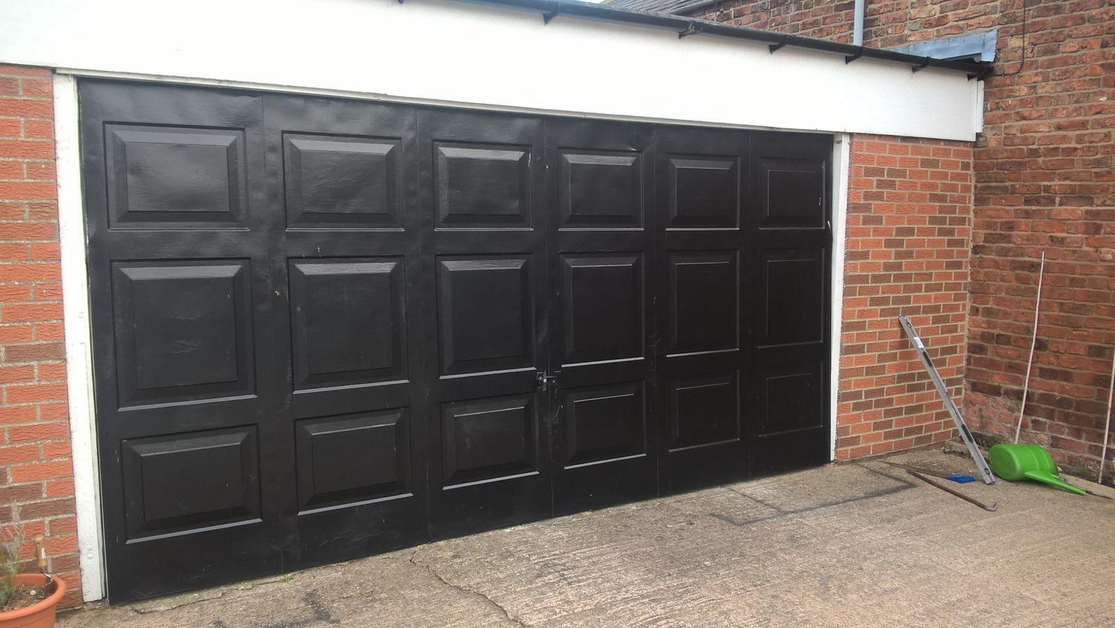 Georgian Premium Insulated Sectional Garage Door